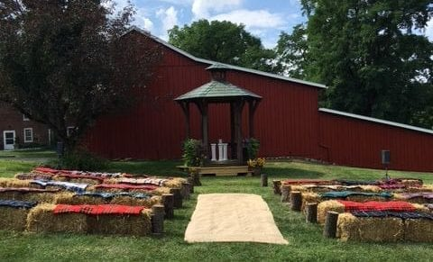 Gazebo Wedding - Barn Wedding - The Barn at Stratford - Event Venue - Delaware Ohio