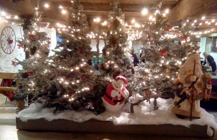 Holiday Decor - The Barn at Stratford - Event Venue - Delaware Ohio